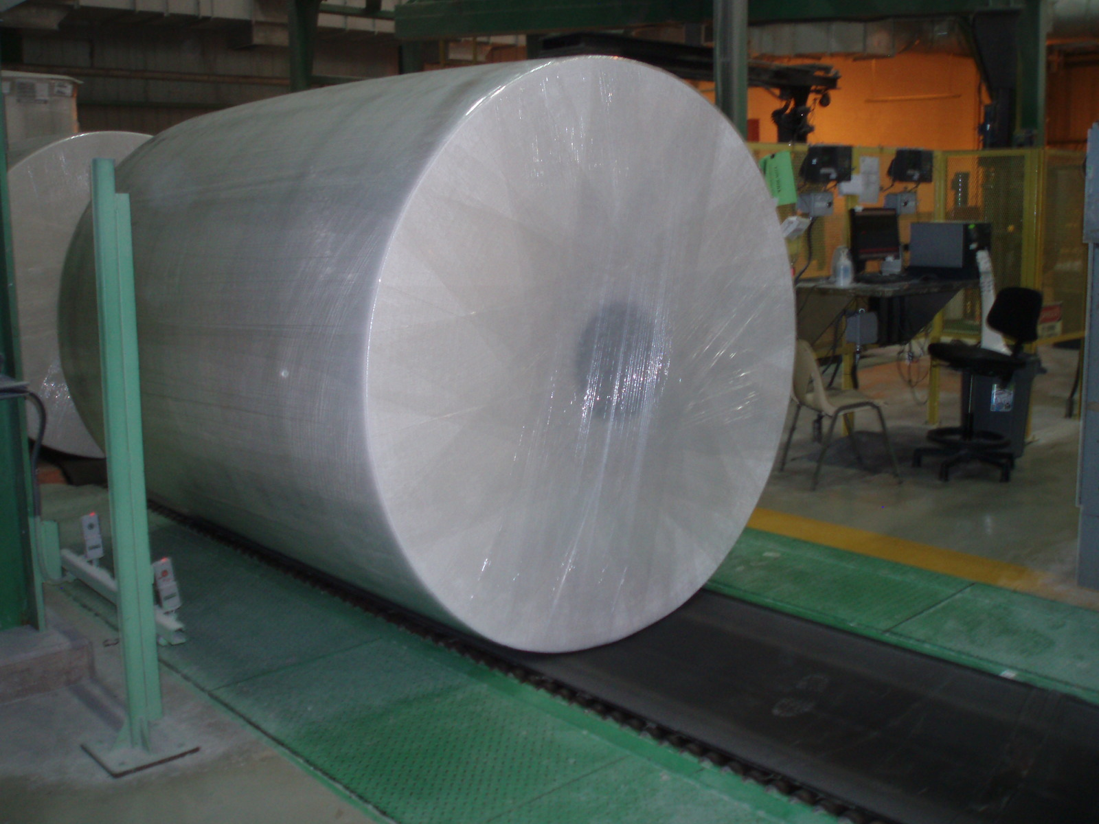 02-paper-roll-wrapping-stretch-wrapping-1.jpg