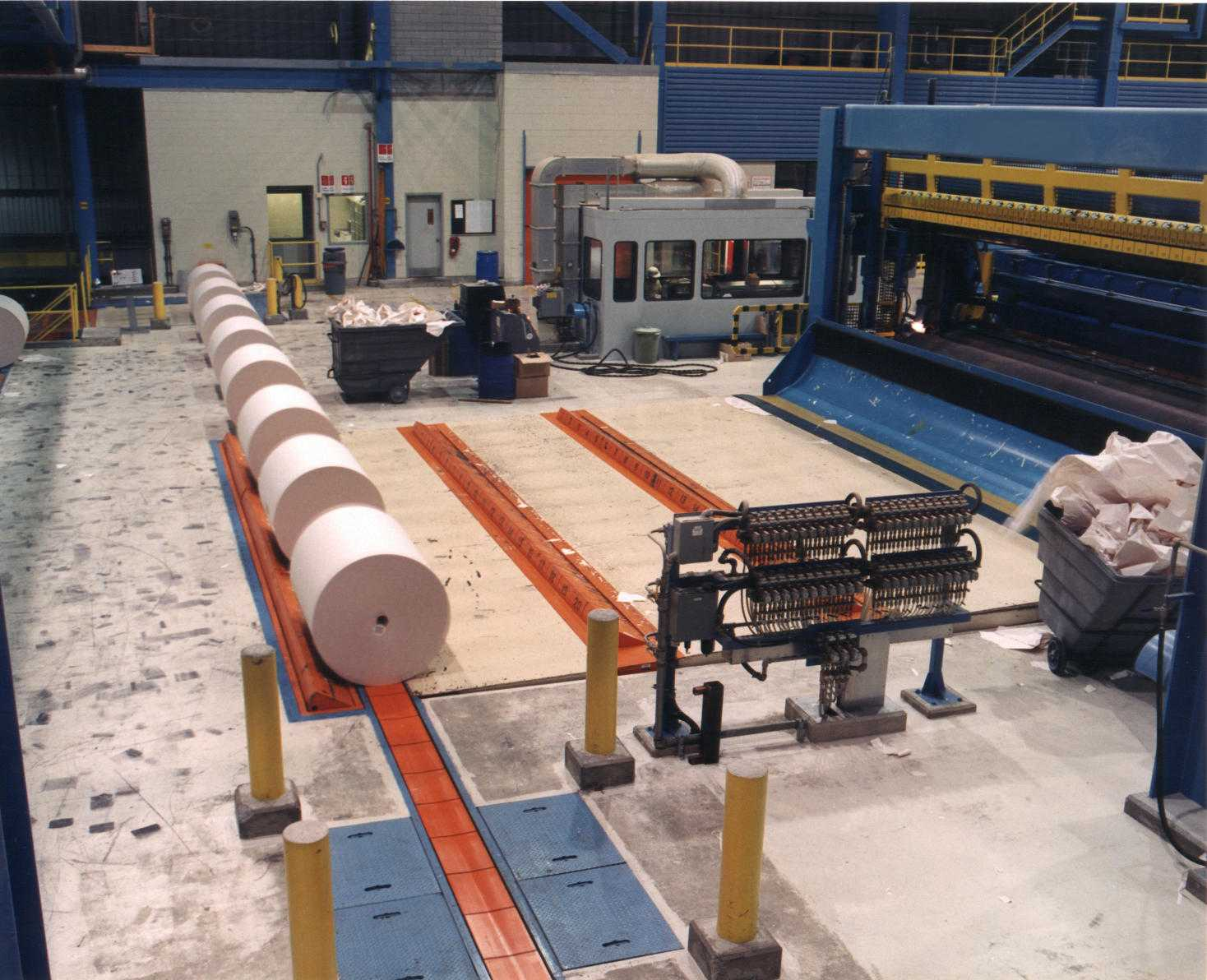 paper - roll handling - conveying system - deck stops (1)